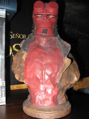 busto Hellboy por Bowen y Mignola