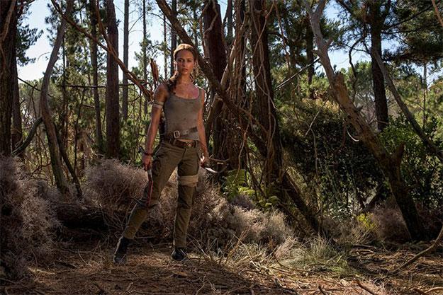 Otra vez la Vikander y sí, como Lara Croft... ¿se le parece?