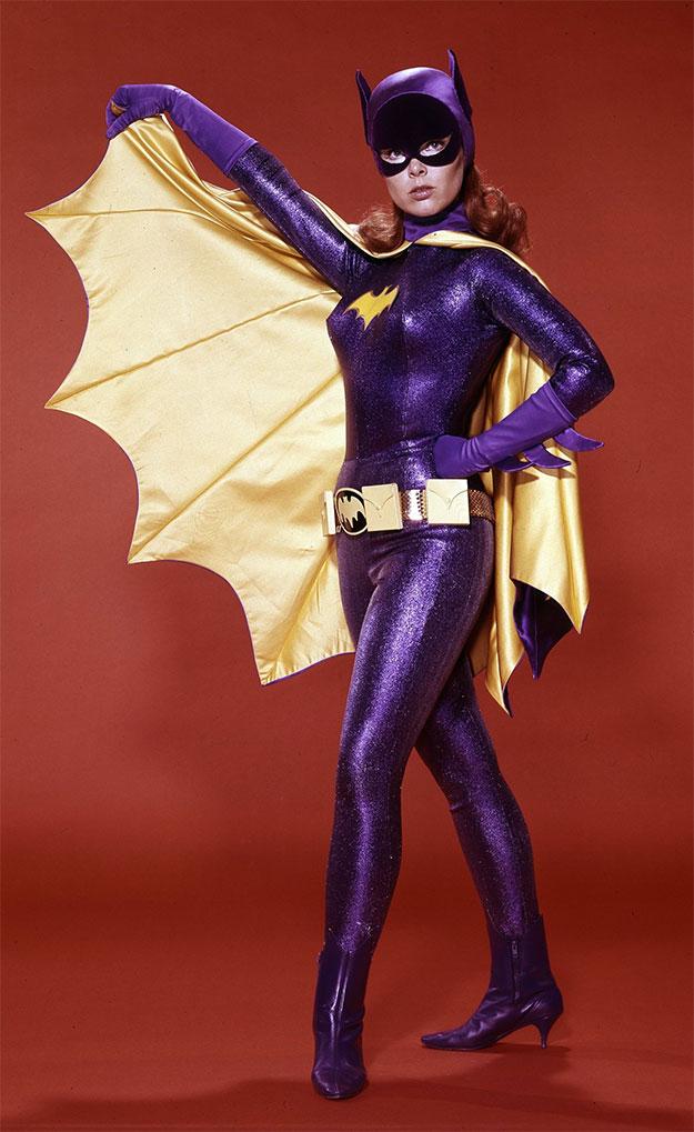 Yvonne Craig, una Batgirl retro