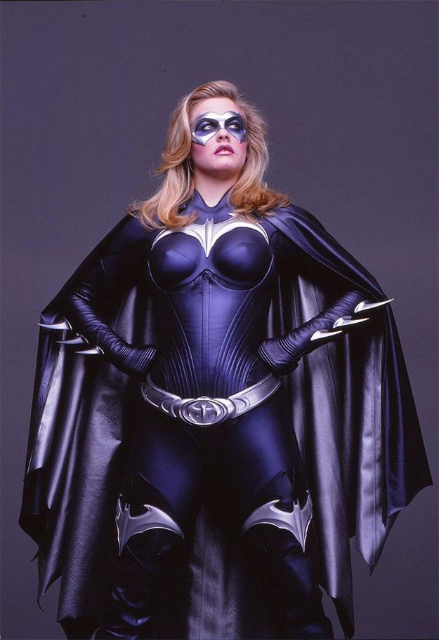 Alicia Silverstone, una Batgirl con pezones