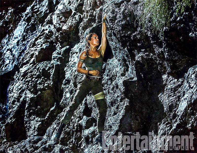 Alicia Vikander a pulso y herida en Tomb Raider