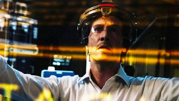 Keanu Reeves disfrutando de la clonación humana en Replicas
