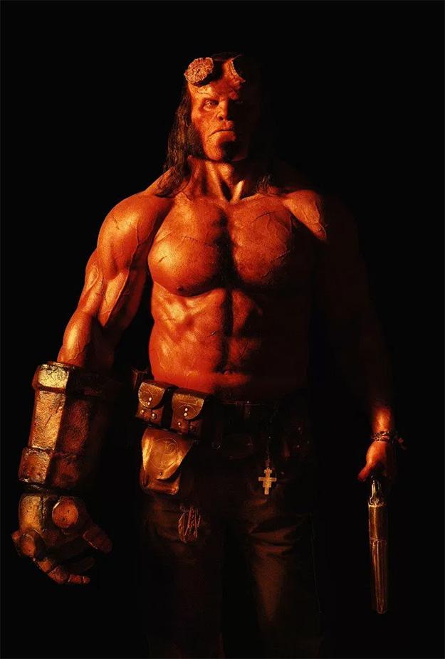 David Harbour descubre su nuevo aspecto como Hellboy para el 2018