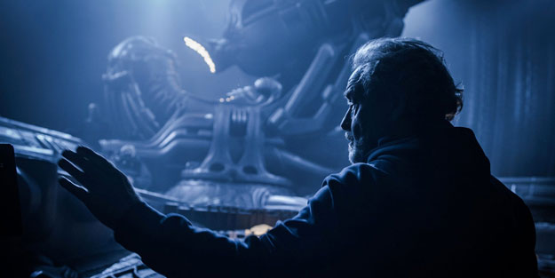 "Ridley Scott se ha hecho con ""The End of October""... pandemia al canto"