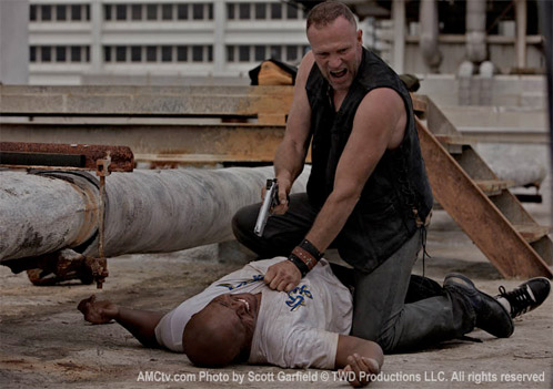 Merle Dixon (Michael Rooker) and T-Dog (Iron E. Singleton)