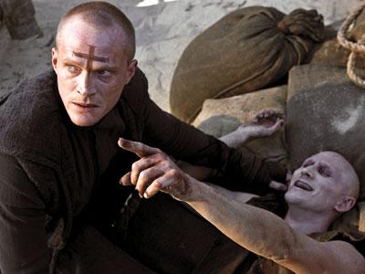 Imagen oficial de Priest con Paul Bettany como Ivan Isaacs