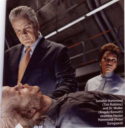 El senador Hammond con la Dr. Waller y Hector Hammond ya deforme