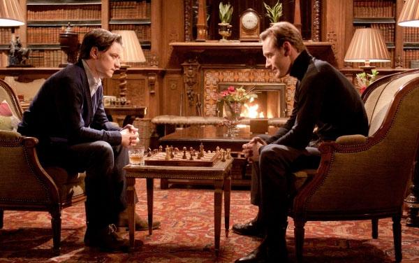 Charles Xavier juega al ajedrez con el bueno de ErikLehnsherr