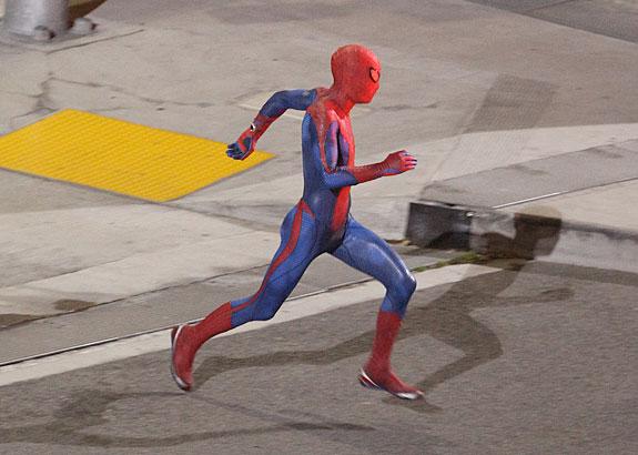 Una imagen vale más que mil palabras... el traje completo del nuevo Spider-Man