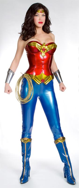 Adrianne Palicki como la Wonder Woman de la NBC