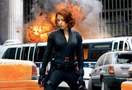 Nueva imagen / escaneo de Los Vengadores vía la revista EW. La Viuda Negra