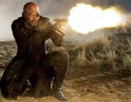 Nueva imagen / escaneo de Los Vengadores vía la revista EW. Nick Fury en acción