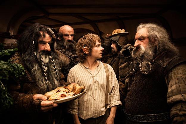 Bilbo Bolsón sorprendido, y superado, por la visita recibida