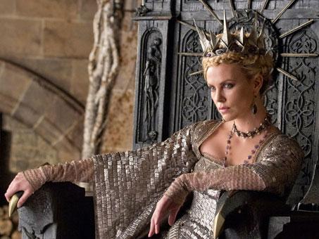 ¿Con reinas malvadas como esta quien quiere a Blancanieves y la leyenda del cazador?