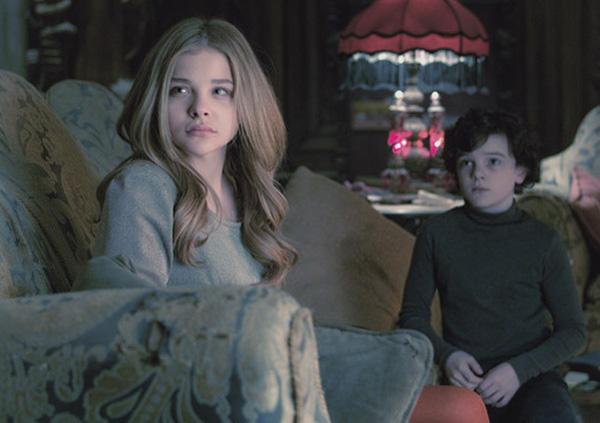 Primer vistazo a Chloe Moretz como Carolyn Stoddard en Dark Shadows