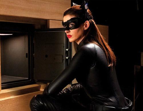Catwoman se encuentra la caja vacía