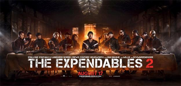 Este irreverente cartel de Los Mercenarios 2 puede ser el mejor cartel de la historia