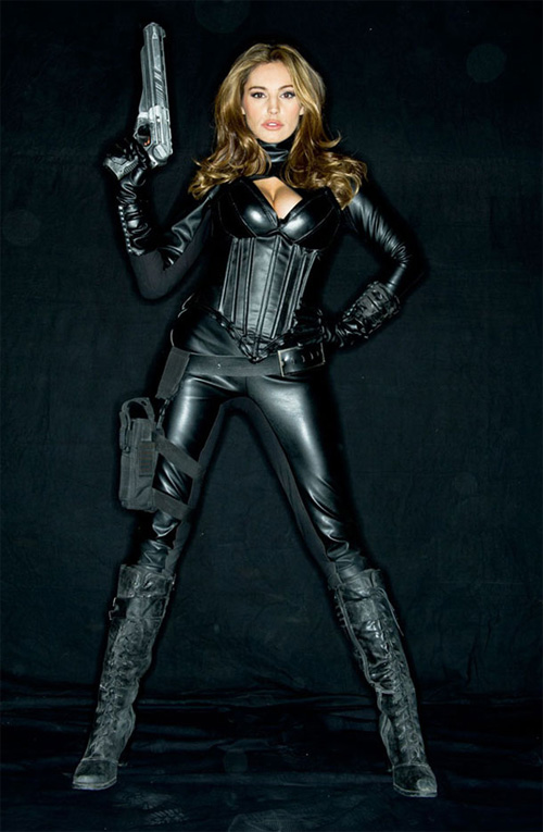 "Kelly Brook en uno de los episodios de ""Metal Hurlant Chronicles"""