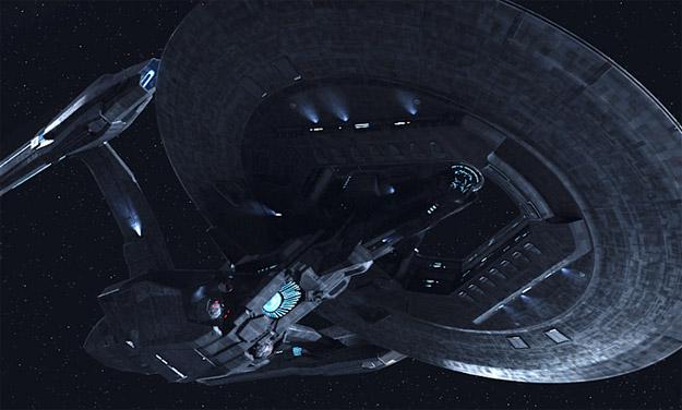 Aquí tenéis la USS Vengeance... más grande y más siniestra que nada hasta ahora imaginado