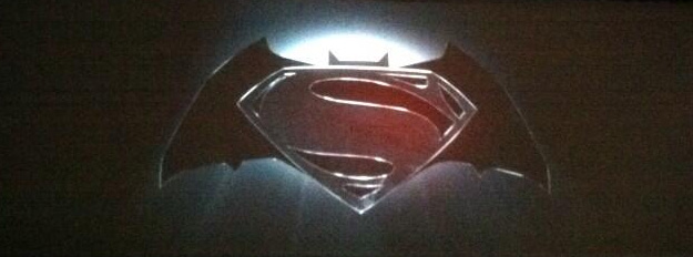El logo oficial del crossover entre Superman y Batman que prepara Warner Bros.