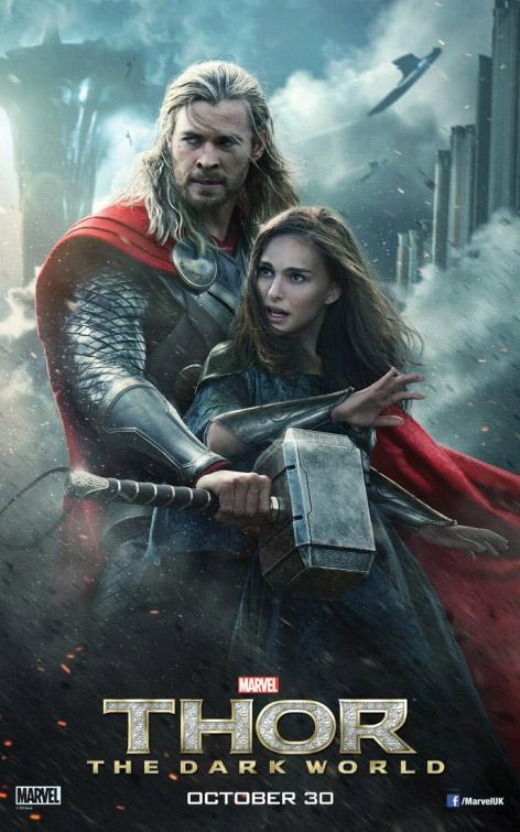 Thor, su martillo y la merecedora de protección Jane Foster