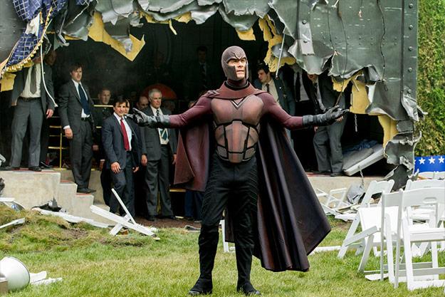 Magneto demostrando su poder