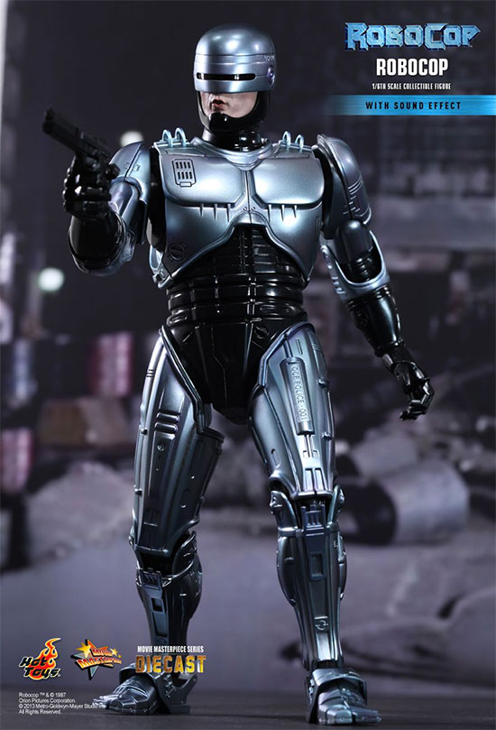 RoboCop por HotToys