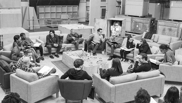 La foto oficial de reunión del casting de Star Wars: Episode VII