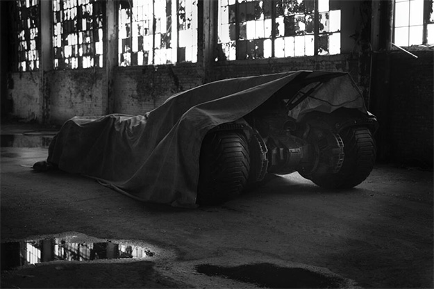 El nuevo Batmobile / Batmóvil / Batimóvil de Batman vs. Superman