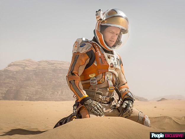Polvo somos y en polvo te convertirñas Mark Watney (Matt Damon)