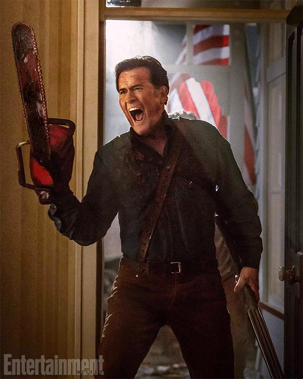 Ash (Bruce Campbell), su motosierra y su escopeta recortada