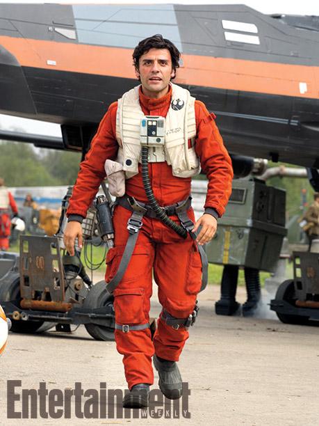Poe Dameron (Oscar Isaac) con su traje de piloto rebelde