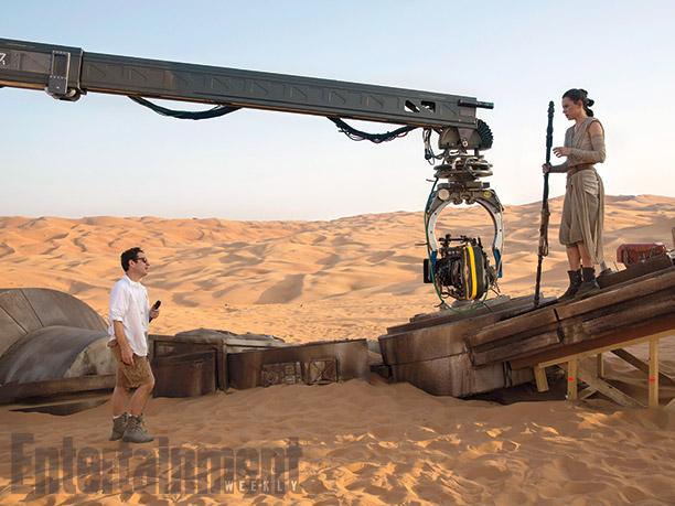 J.J. Abrams esta vez acompañado por Daisy Ridley