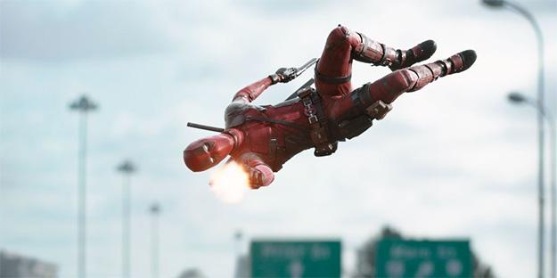 Se ve que Deadpool también vuela