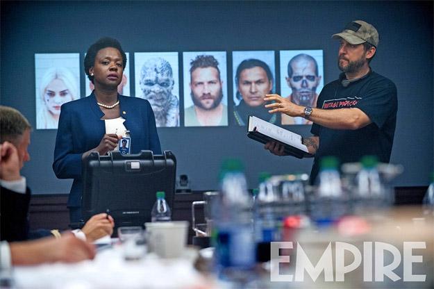 Viola Davis como Amanda Waller junto al director David Ayer