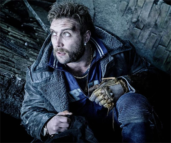 Jai Courtney como Captain Boomerang