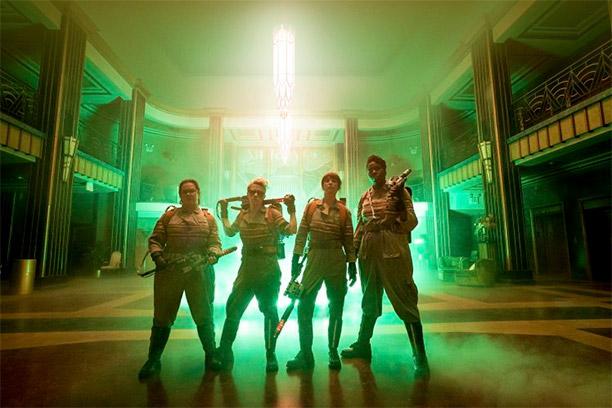 Foto de todo el grupo... pues no sé: Melissa McCarthy, Kate McKinnon, Kristen Wiig y Leslie Jones