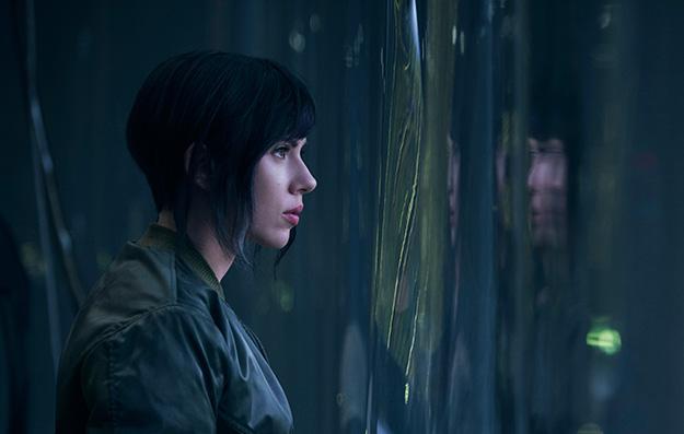 Scarlett Johansson como Kusanagi