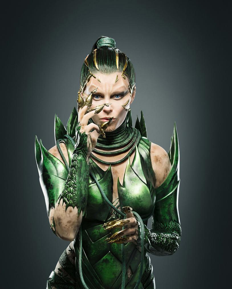 Elizabeth Banks como Rita Repulsa en los Power Rangers