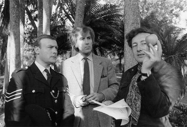 Edward Woodward, Christopher Lee y Robin Hardy en El hombre de mimbre