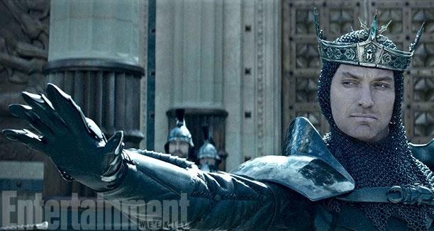 Aquí podéis saludar a Eric Bana como el Rey Uther Pendragon