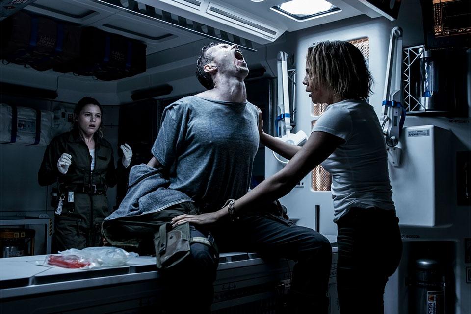 Dolor, mucho dolor corporal en Alien: Covenant