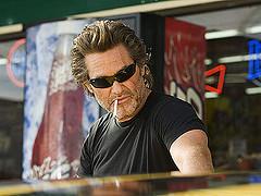 Kurt Russell como Stuntman Mike... mejor que nunca!