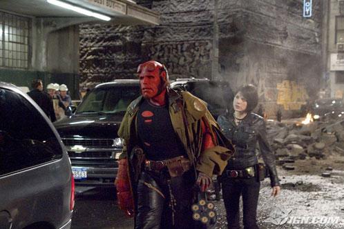 Hellboy II: The Golden Army. Hellboy y Liz Sherman