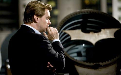 Nolan concentrado en su tarea