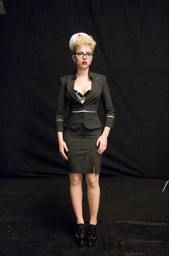 Scarlett Johansson con ropa muy ajustada
