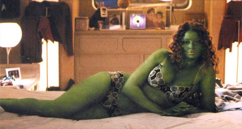 Diora Baird como Orion Slave Girl