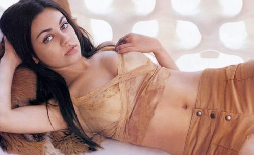 Mila Kunis insinuando algo (también)